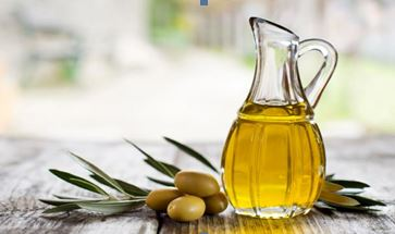 5 reasons why everyone needs more olive oil